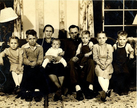 Uncle Eli's family 1952
